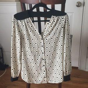 Bellatrix Black and white pattern blouse